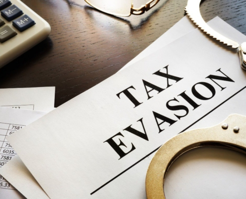 The US Loses Out On $1 Trillion a Year Due to Tax Evasion, IRS Estimates